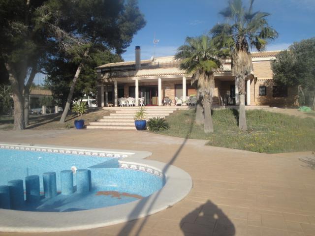 2 villas in  5.000 sqm plot
